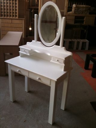 Ryan Dressing Table With Jewelry Draws