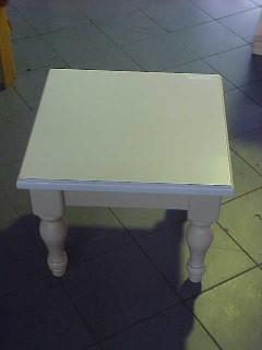 Coffee Table Medium 600 x 600 Turned Square Legs
