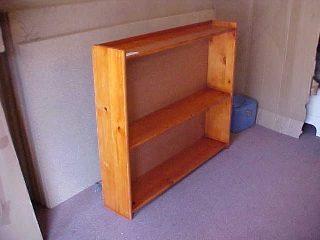 Vin Bookshelf