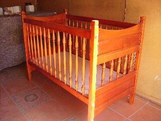 De Lux Baby Cot
